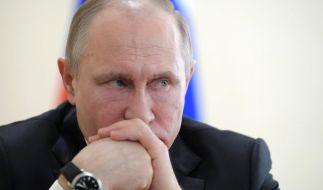 Der russische Präsident Wladimir Putin reagiert auf die Ausweisungen russischer Diplomaten und schließt seinerseits das US-Konsulat in St. Petersburg. (Foto)