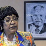 Ex-Frau von Anti-Apartheidskämpfer Nelson Mandela stirbt mit 81 Jahren (Foto)