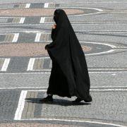 Frauenrechtlerinnen wollen Burkas in Deutschland verbieten (Foto)
