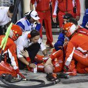 Horror beim Boxenstopp! Räikkönen überrollt Mechaniker (Foto)