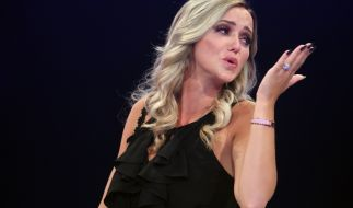 Cathy Lugner schickt sexy Urlaubsgrüße aus Abu Dhabi. (Foto)