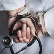 Drogentod nach Oralsex! Eltern verklagen Chefarzt mit Koks-Penis (Foto)