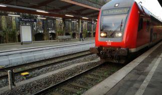 Im Bahnhof Wuppertal-Elberfeld hat ein Mann ein Kind entrissen und sich auf die Schienen gelegt. (Foto)