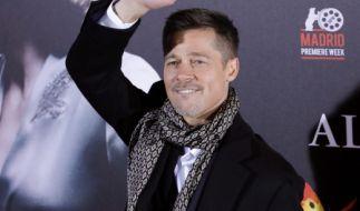 Er hat wieder zugegriffen: Wer ist die Neue von Brad Pitt? (Foto)