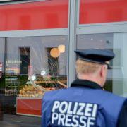 Mutmaßlicher Randalierer vor Bäckerei von Polizisten erschossen (Foto)