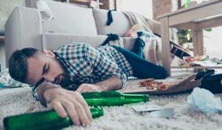 Ewiger Schlaf: Zu viel Alkohol verkürzt das Leben. (Foto)