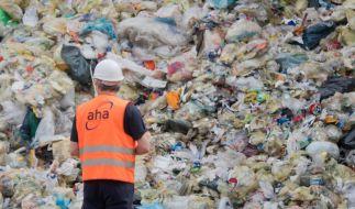 Bis zu 142 Millionen Tonnen Plastikabfälle sollen in den Weltmeeren schwimmen. (Foto)