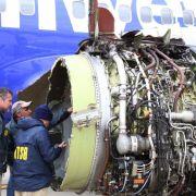Triebwerk explodiert! Frau fast aus Flugzeugfenster gesaugt - tot (Foto)