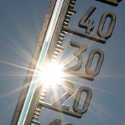 Erste Hitzewelle rollt an! HIER wird es jetzt richtig heiß (Foto)