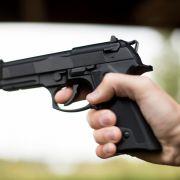 Vater will seinem Sohn Mord anhängen (Foto)