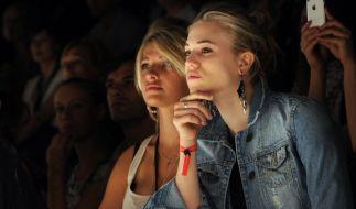 Sarina Nowak (links) ist als Curvy-Model erfolgreich. (Foto)