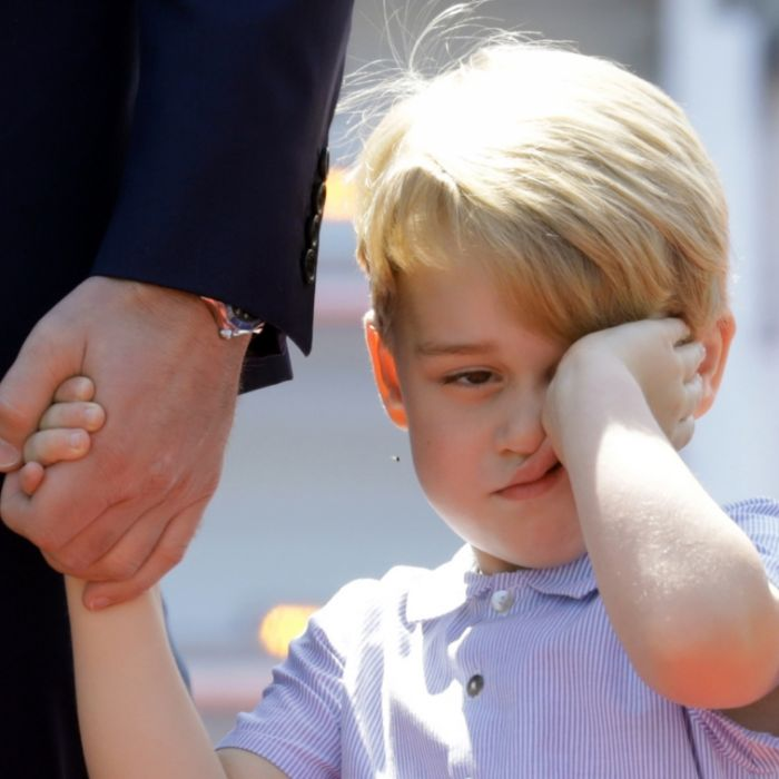 Er lästert über Meghan Markle! SO verzogen ist Prinz George (Foto)
