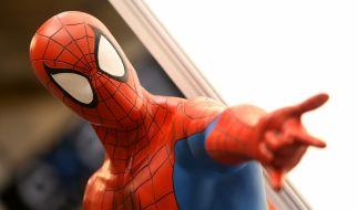 In einem Spiderman-Kostüm hat der Pädophile versucht, das Vertrauen der Kinder zu gewinnen (Symbolbild). (Foto)