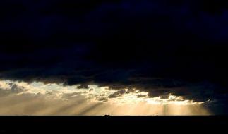 Das sommerliche Wetter im April findet am Wochenende ein nasses Ende. (Foto)