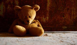 Das Kind erstickte unter einem Teddybär (Symbolbild) (Foto)