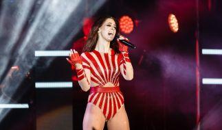 """Sängerin Vanessa Mai bei einem Konzert am 20.04.2018 im Rahmen ihrer """"Regenbogen Live 2018""""-Tour in Hamburg. (Foto)"""