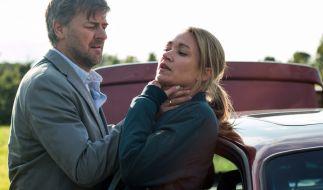 Sarah Kohr (Lisa Maria Potthoff) wird zu Thomas Lichters (Marcus Mittermeier) Geisel. (Foto)