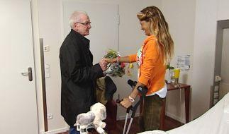 Nadja abd el Farrag hofft, dass ihr Schuldnerberater Peter Zwegat aus dem Pleite-Sumpf helfen kann. (Foto)