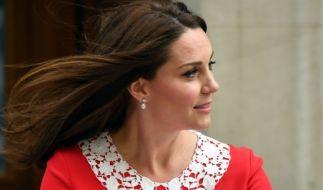 Kate Middleton präsentiert ihr drittes Baby, einen kleinen Jungen, der Weltöffentlichkeit. (Foto)