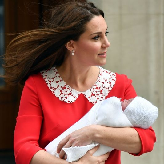 Das Royal-Baby ist da! Herzogin Kate zeigt ihren kleinen Prinzen (Foto)