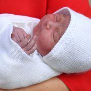 Am 23.04.2018 um 11:01 Uhr erblickte der kleine PrinzLouis Arthur Charles das Licht der Welt. Für Herzogin Kate und William ist es bereits das dritte Kind.