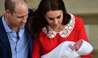 Prinz William und Kate Middleton präsentieren ihren jüngsten Sohn kurz nach der Geburt am 23. April der Öffentlichkeit. (Foto)