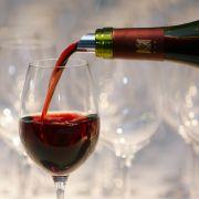 Rotwein schützt vor Herzinfarkt und Herz-Kreislauf-Erkrankungen, oder? (Foto)