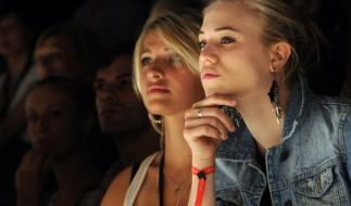 Als Mager-Model wurde Sarina Nowak (M.) beleidigt und drangsaliert. (Foto)