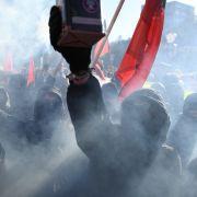 """Marx statt Merkel!"" Linksextreme machten am Mai-Feiertag mobil (Foto)"