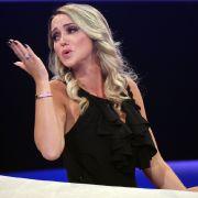 Billig oder sexy? In DIESEM Video wird sie zum Ballermann-Blondchen (Foto)