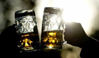 Die Bundesregierung zeigt sich offen für höhere Alkoholpreise. (Foto)