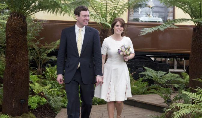 Die nächste Hochzeit steht schon fest: Prinzessin Eugenie und Jack Brooksbank gaben am 22. Januar diesen Jahres ihre Verlobung bekannt und werden ihre Hochzeit im Oktober 2018 in Windsor Castle feiern.
