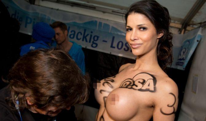 Micaela Schäfer völlig nackt