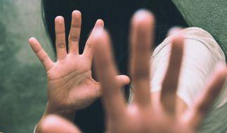 Nach der Vergewaltigung einer 16-Jährigen in Lippstadt sucht die Polizei nach Zeugen (Symbolbild). (Foto)