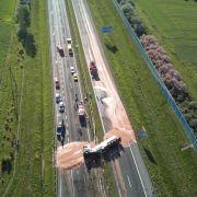 Autobahn nach Unfall in Schokolade getaucht (Foto)