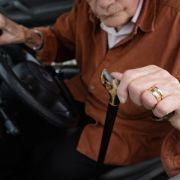 Rentner (89) verursacht Unfall - Führerschein beschlagnahmt (Foto)