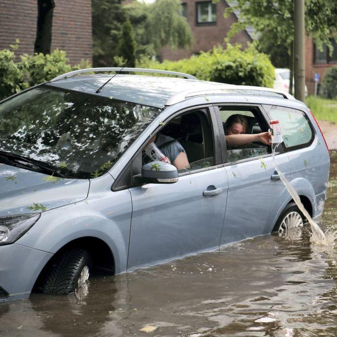 Über 900 Feuerwehr-Einsätze! Überschwemmungen am Vatertag (Foto)
