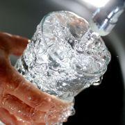 Preis-Explosion! Trinkwasser wird immer teurer (Foto)