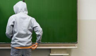 Unglaubliche Szenen spielen sich mitten in einem Klassenzimmer ab. (Foto)