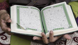 Das Lesen aus dem Koran ist essentiell im Fastenmonat Ramadan. (Foto)