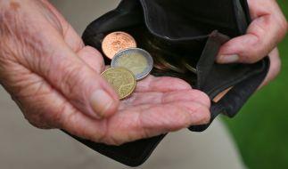 Die Deutschen sollen länger arbeiten, um Altersarmut zu entgehen. (Foto)