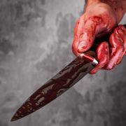 Mädchen brutal überfallen - Messer steckt im Gesicht fest! (Foto)
