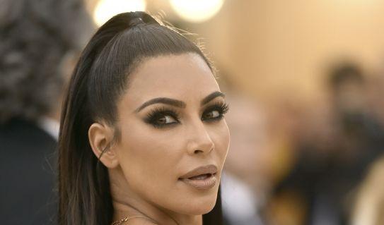 Momentan steht Kim Kardashian einem Shitstorm gegenüber - zur Met Gala 2018 begeisterte sie noch ihre Fans.