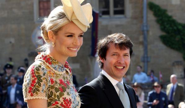 James Blunt and Sofia Wellesley kommen zur St. Georgs Kapelle.