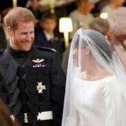 Meghan Markle und Prinz Harry strahlen vor Glück.