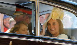 Herzogin Kate mit Ihrem Mann Prinz William und ihrem Sohn Prinz George. (Foto)