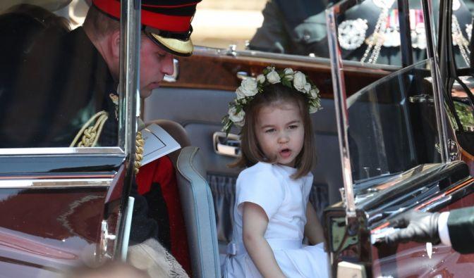 Prinzessin Charlotte im Auto mit ihrem Vater Prinz William.