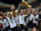 Die Eintracht schaffte die Sensation und bezwang im DFB-Pokal-Finale 2018 den FC Bayern München. Ab 17. August startet die neue Saison. (Foto)