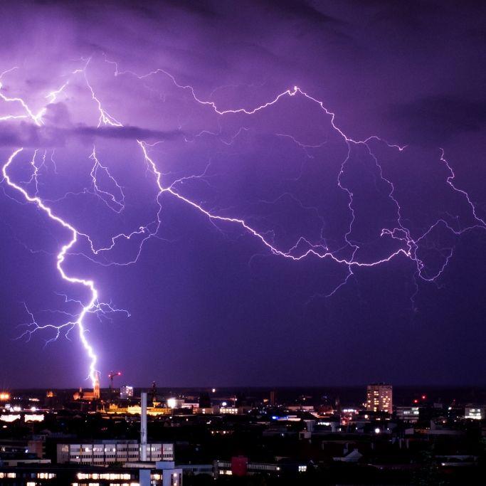 Unwetter-Alarm! HIER knallt es jetzt so richtig (Foto)