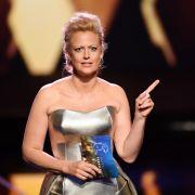 Scharfe Diva! HIER zeigt die Moderatorin ihren XXL-Busen (Foto)